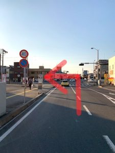 格子屋赤塚店を左折