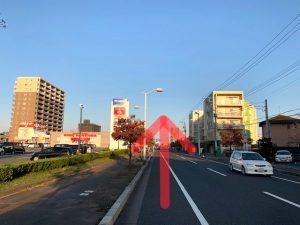 カスミフードスクエア水戸赤塚店を直進