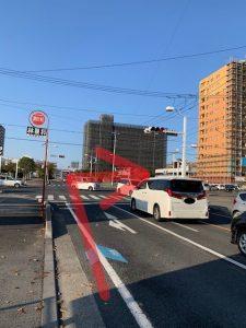 赤塚駅南口前の交差点を右折